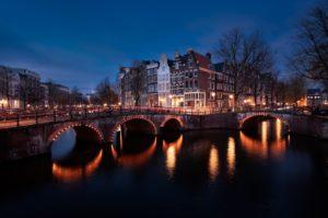 Canaux à l'heure bleue, pendant un week-end Amsterdam
