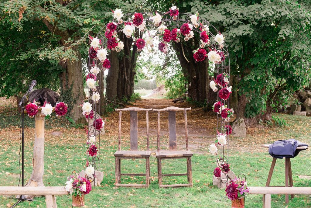 Arche de cérémonie laïque au domaine de Quincampoix