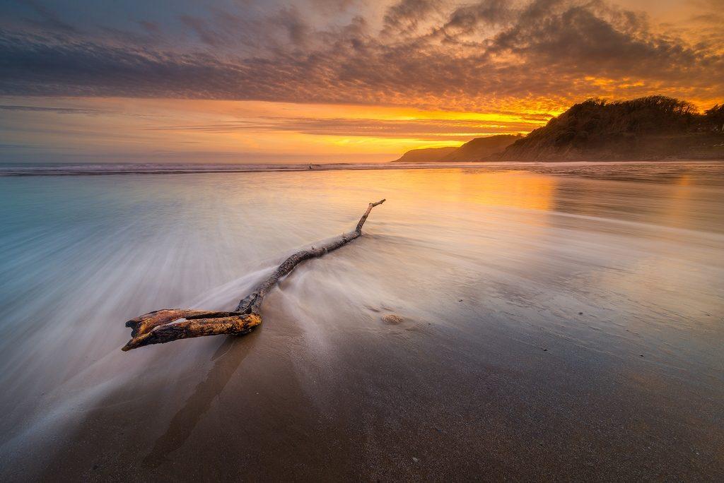 Coucher de soleil sur une baie au pays de Galles