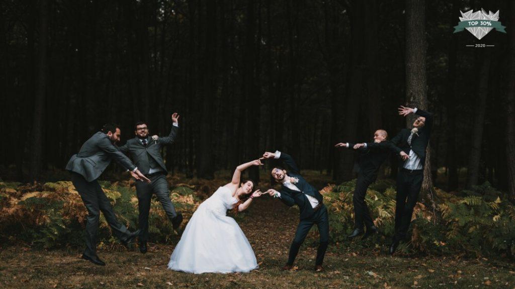 Couple de marié·es et leurs témoins, photo façon DBZ