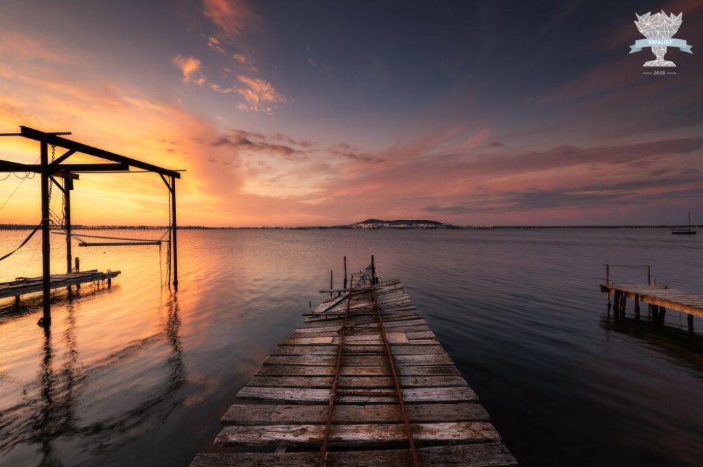 Photo de paysage finaliste d'un concours international de photographies : ponton à Bouzigues en France