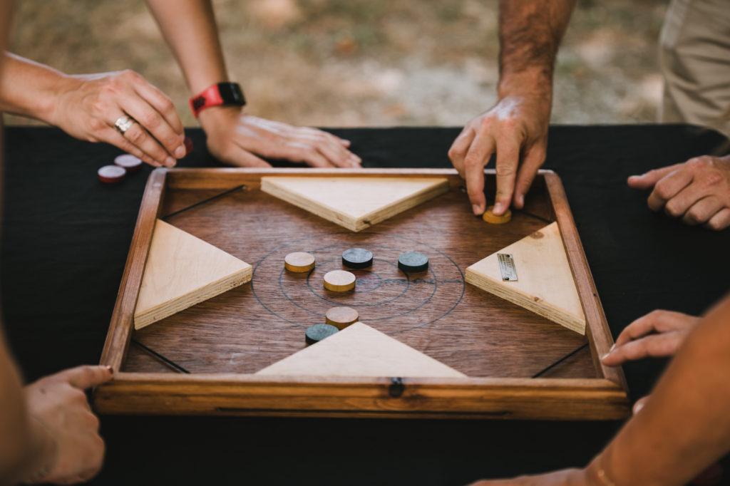 jeu de tir-sur-cible en bois pour jouer à plusieurs