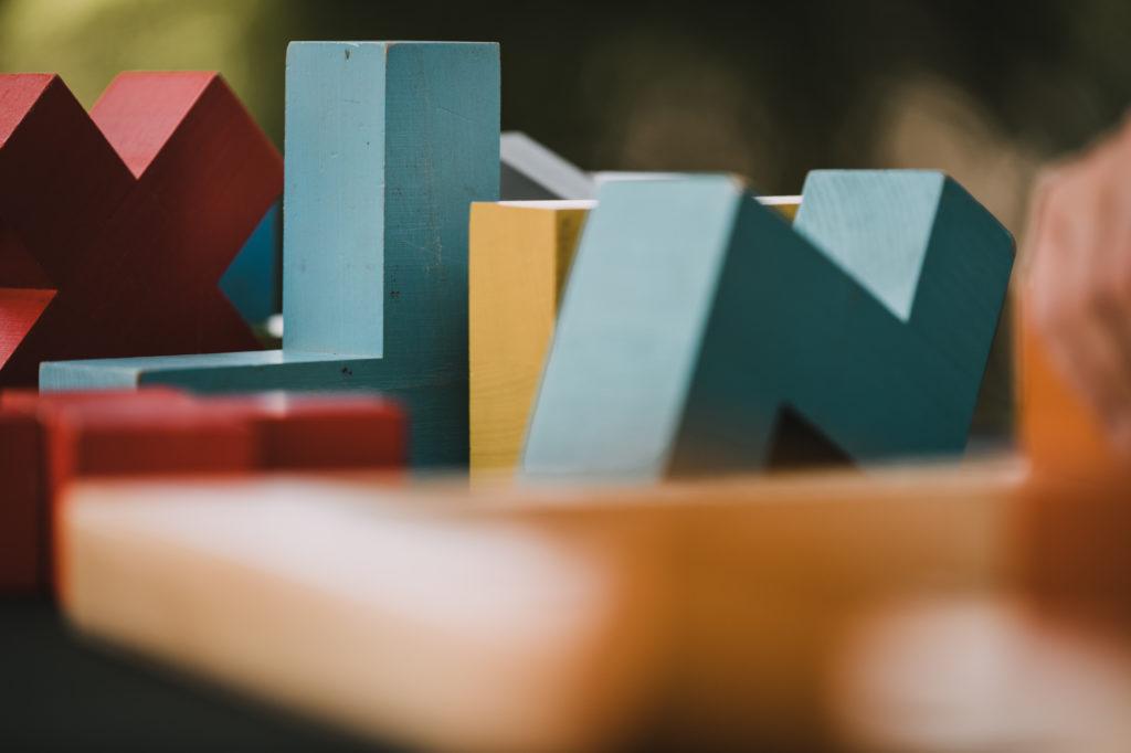 jeu de katamino géant, en bois et coloré
