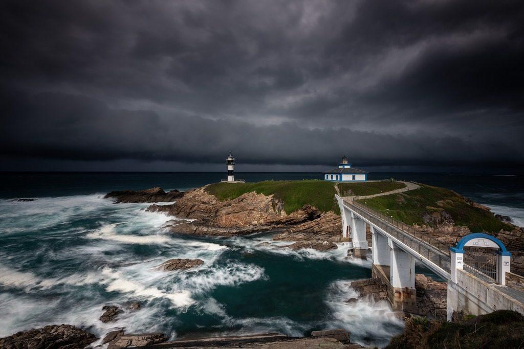 photo d'un paysage espagnol avec un ciel de tempête