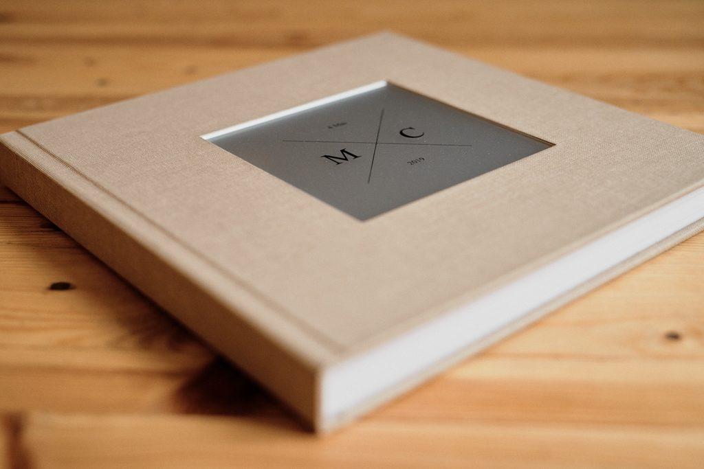 Couverture d'un livre photo matisseo (avec plaque en métal)